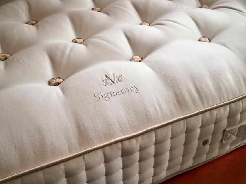 materac 4 Z jakich materiałów wykonane są luksusowe materace?